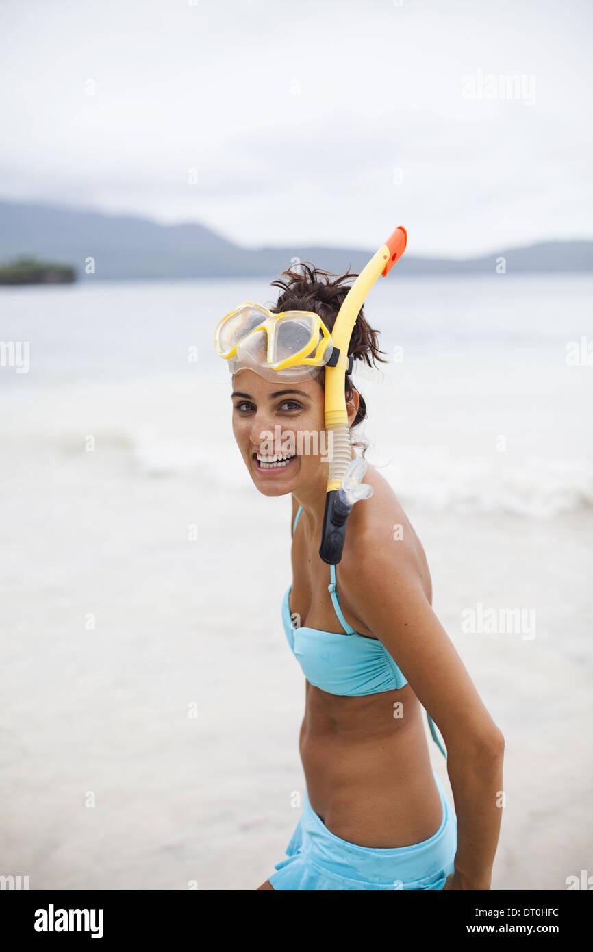Péninsule de Samana République Dominicaine. femme portant l'équipement de plongée en République Dominicaine Photo Stock
