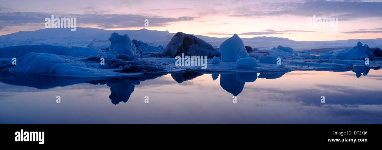 Jokulsarlon Glacial Lagoon, Vatnajokul ice cap, l'Islande Photo Stock