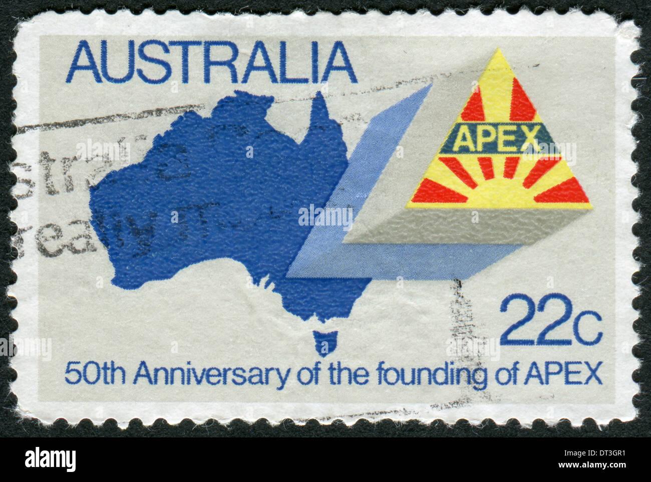 Timbre Poste Imprime En Australie Au 50e Anniversaire De L Apex Montre La Carte De L Australie De L Embleme De L Apex Photo Stock Alamy