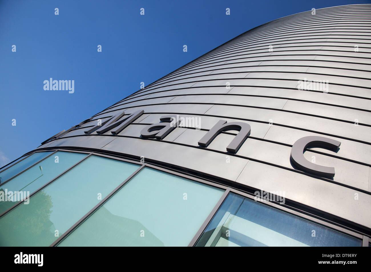 Surnommé l'étain peut l'Université de Manchester's University place building sur Oxford Road à Manchester Banque D'Images