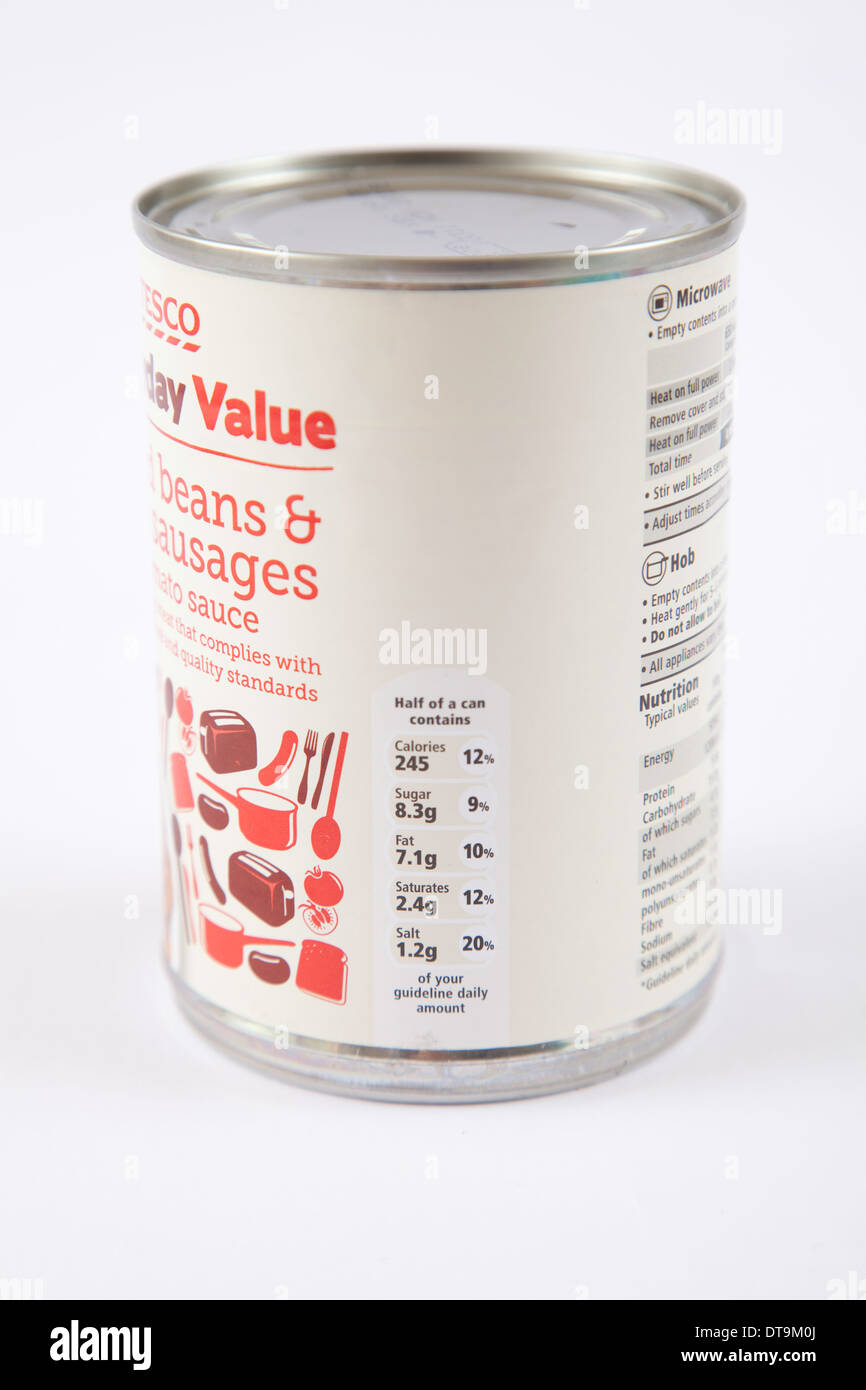 Valeur quotidienne Tesco des fèves et saucisses Information nutritionnelle Photo Stock
