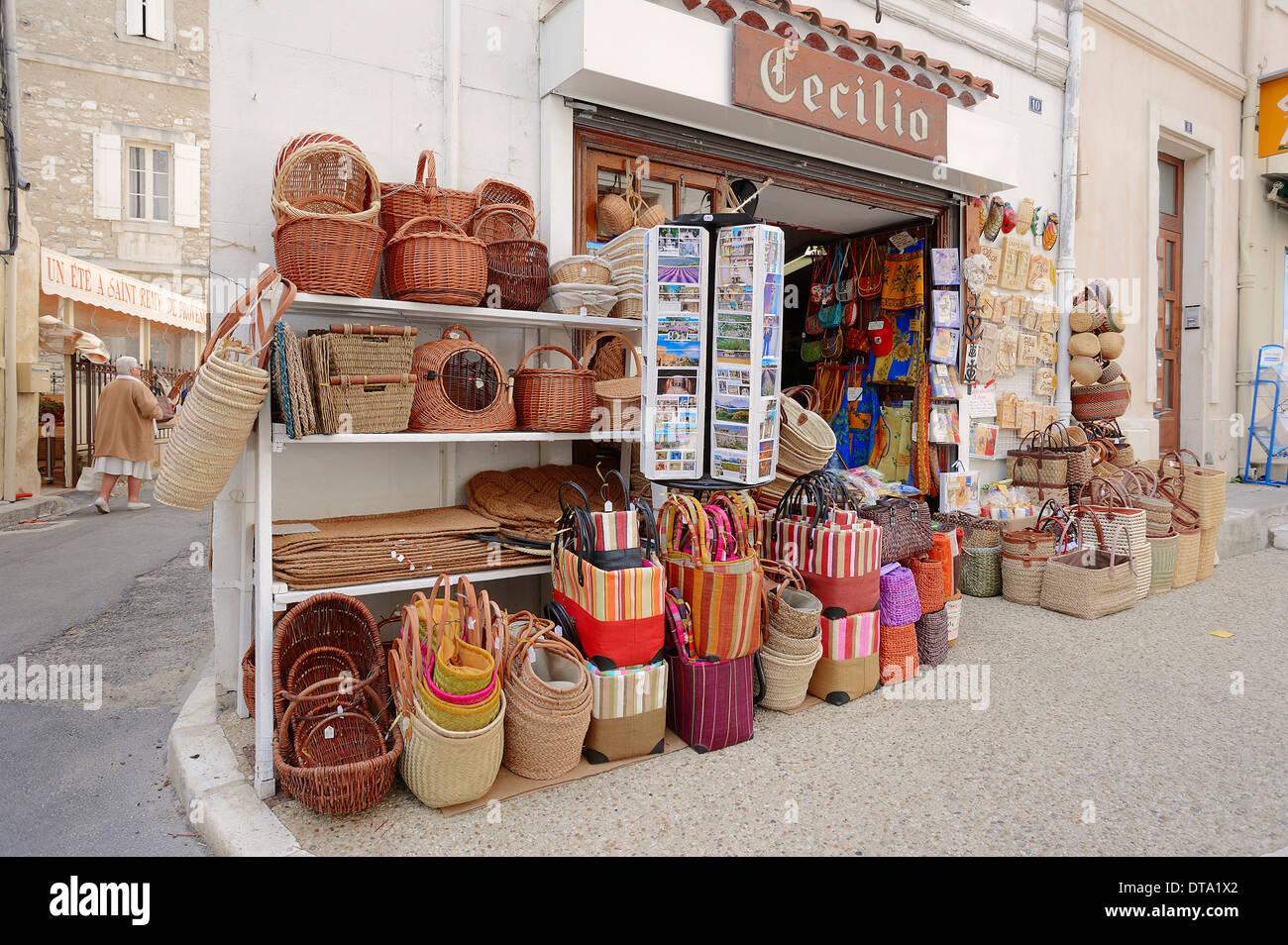 Cadeaux, Saint Remy-de-Provence, Bouches-du-Rhône, Provence-Alpes-Côte d'Azur, dans le sud de la France, France Photo Stock