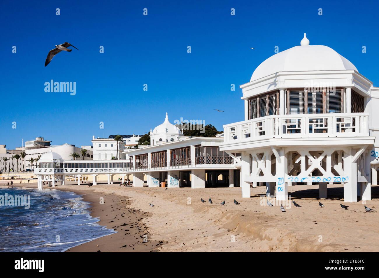 Ancienne station thermale (spa) à la plage de La Caleta, Cadix, Andalousie, Espagne Banque D'Images