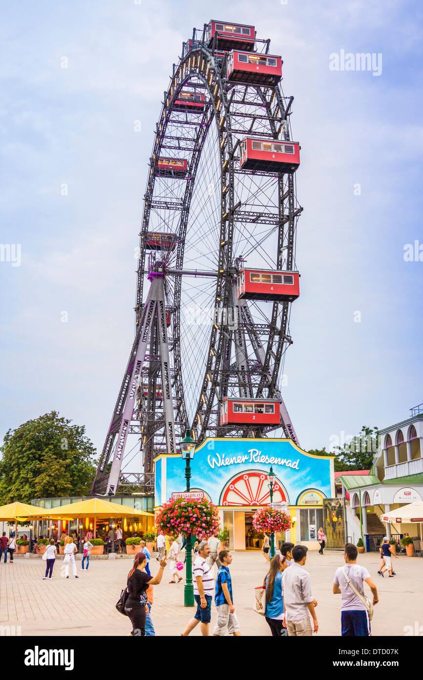Grande Roue au Prater __ amusement park, vienne, autriche Banque D'Images