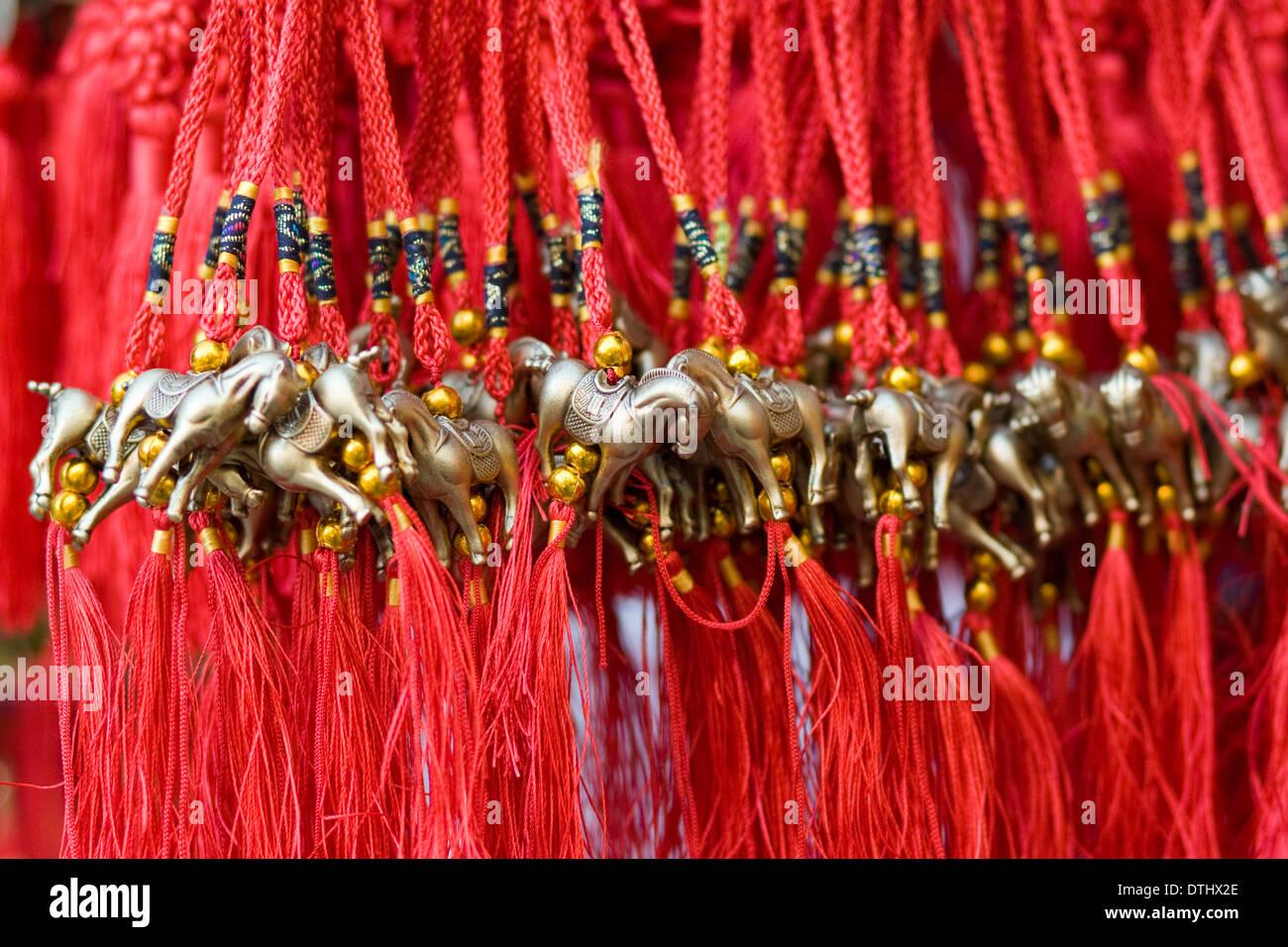 Glands chinois en laiton avec Cheval pour la fête du Nouvel An année du cheval Photo Stock