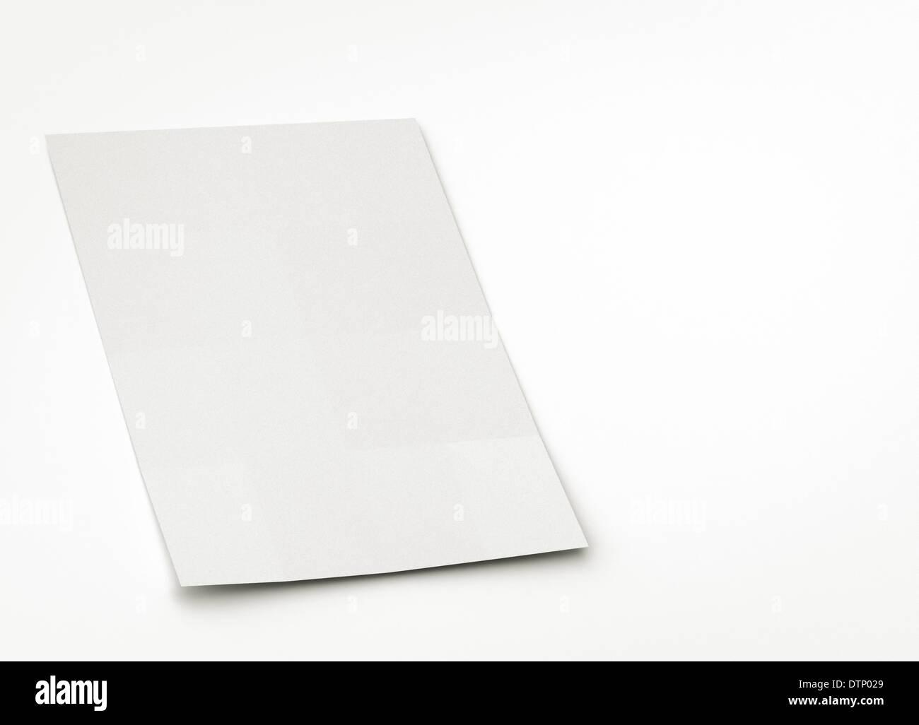 Feuille de papier vierge ou une brochure Photo Stock