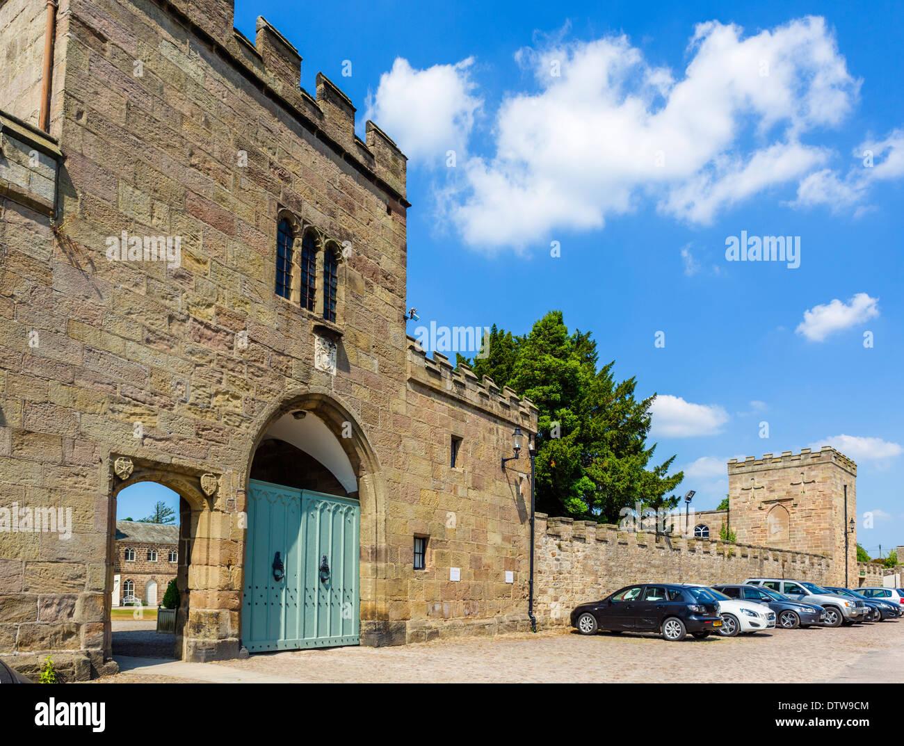 Entrée de Ripley Castle, un château à Ripley, North Yorkshire, England, UK Photo Stock