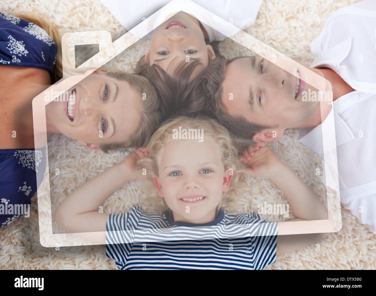Heureux jeune famille avec maison illustration Photo Stock