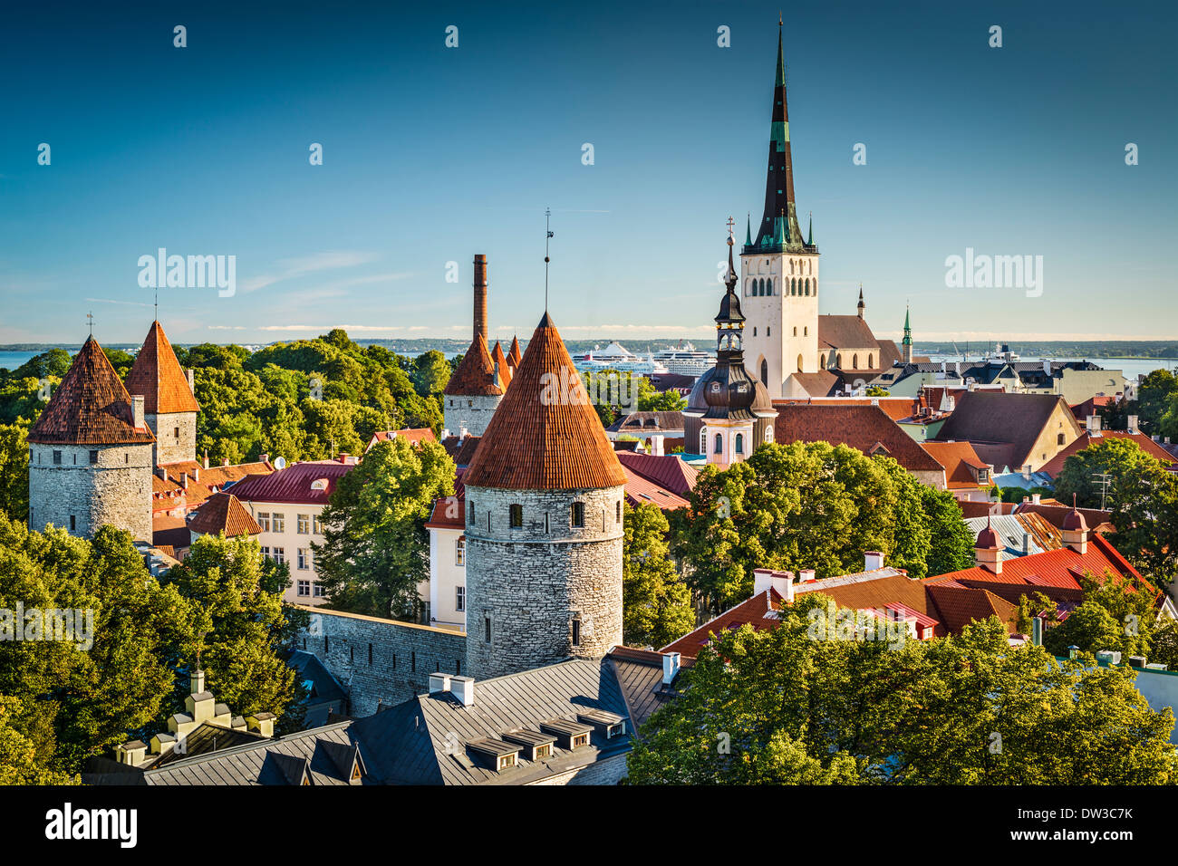 Tallinn, Estonie vue vieille ville à partir de la colline de Toompea. Photo Stock