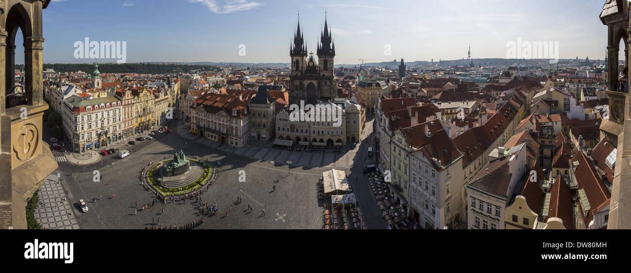 Une vue panoramique de la place de la vieille ville à Prague Photo Stock