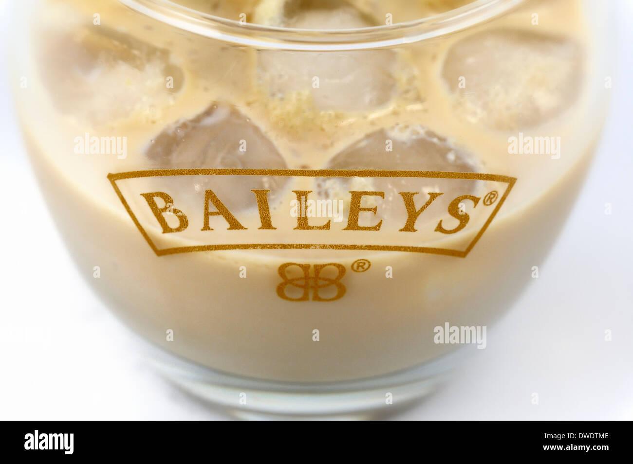 Baileys avec de la glace Banque D'Images