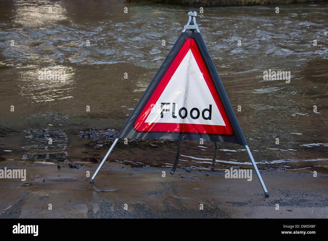 Panneau d'avertissement d'inondation Banque D'Images
