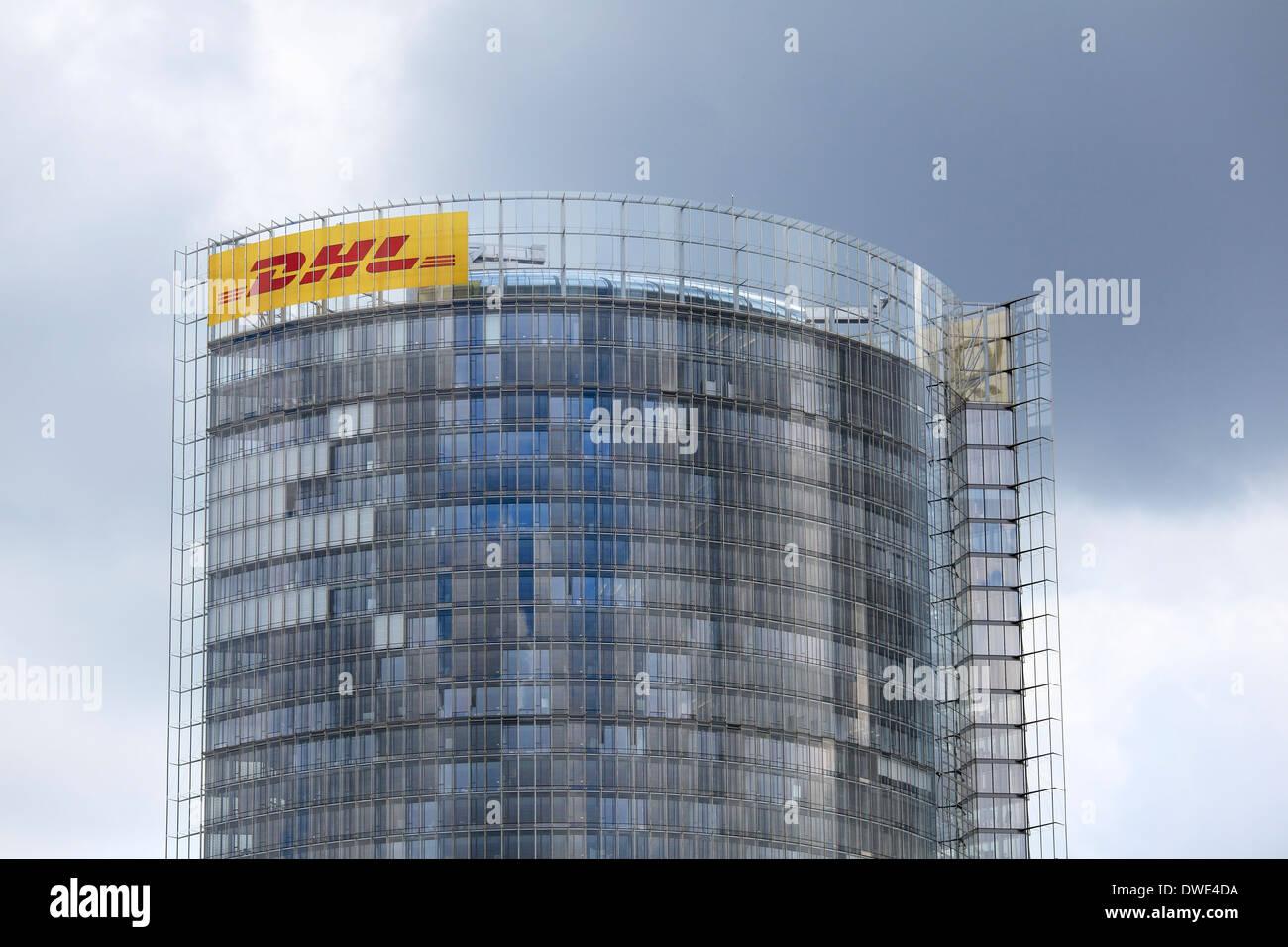 La Post Tower Building, Deutsche Post DHL, siège de Bonn, Allemagne. Banque D'Images