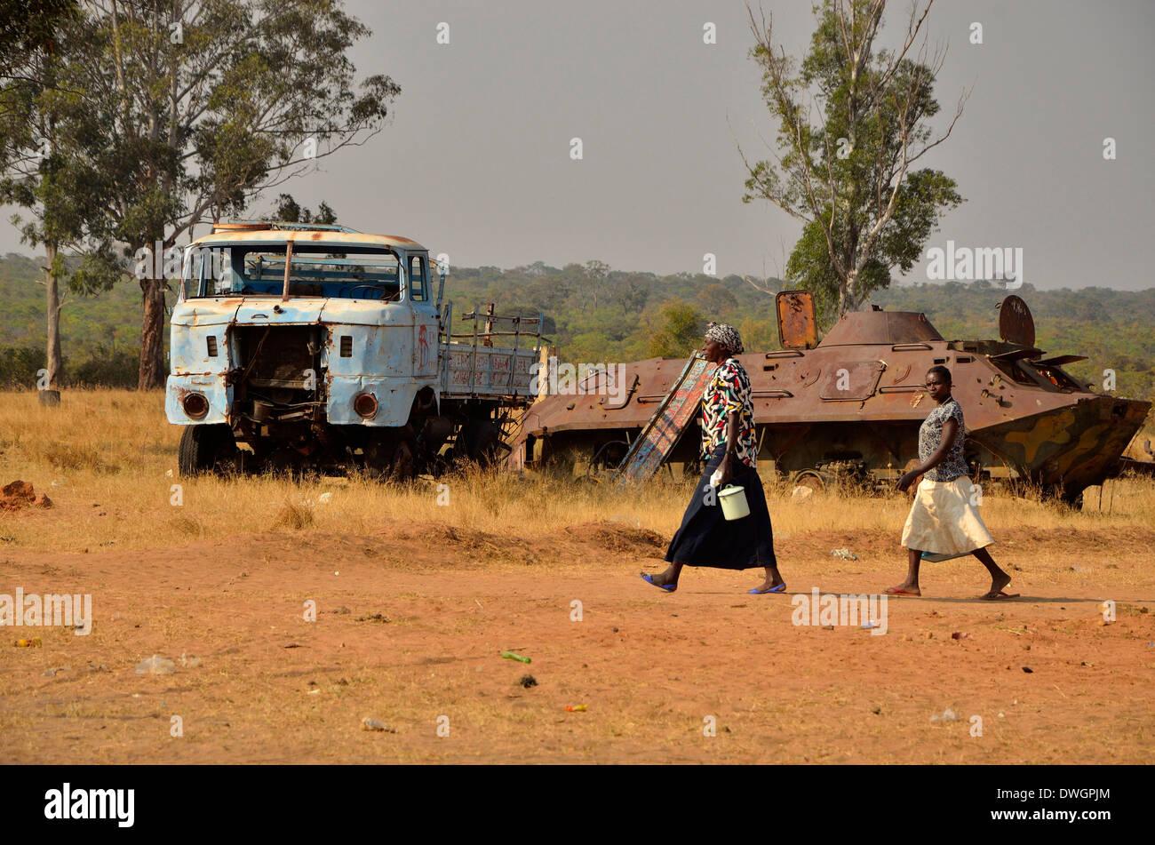 Les femmes et le réservoir, l'Angola, l'Afrique Banque D'Images