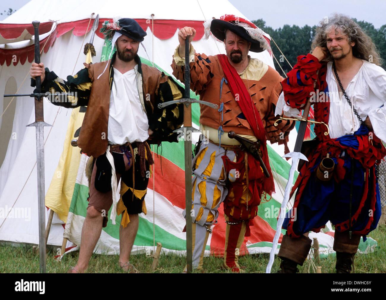Soldats suisses mercenaires Landsknecht, 16e siècle, reconstitution historique soldat Landsknechts Banque D'Images