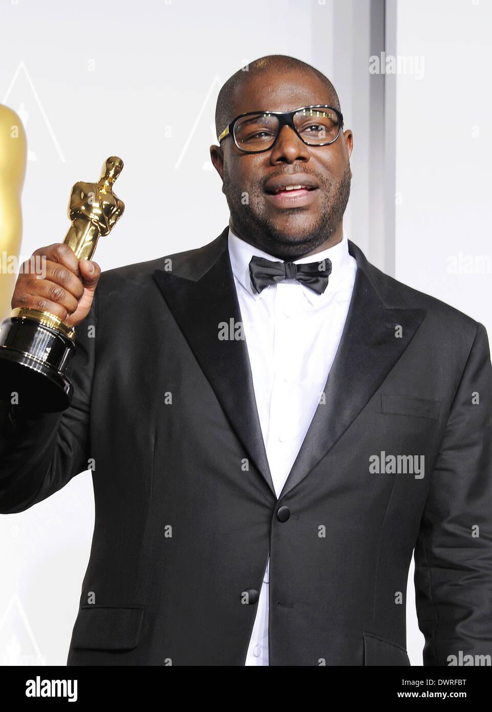 STEVE McQUEEN producteur du film anglais qui a remporté le Best Photo pendant douze ans, un esclave à l'Oscars 2014 . Photo Jeffrey Mayer Photo Stock