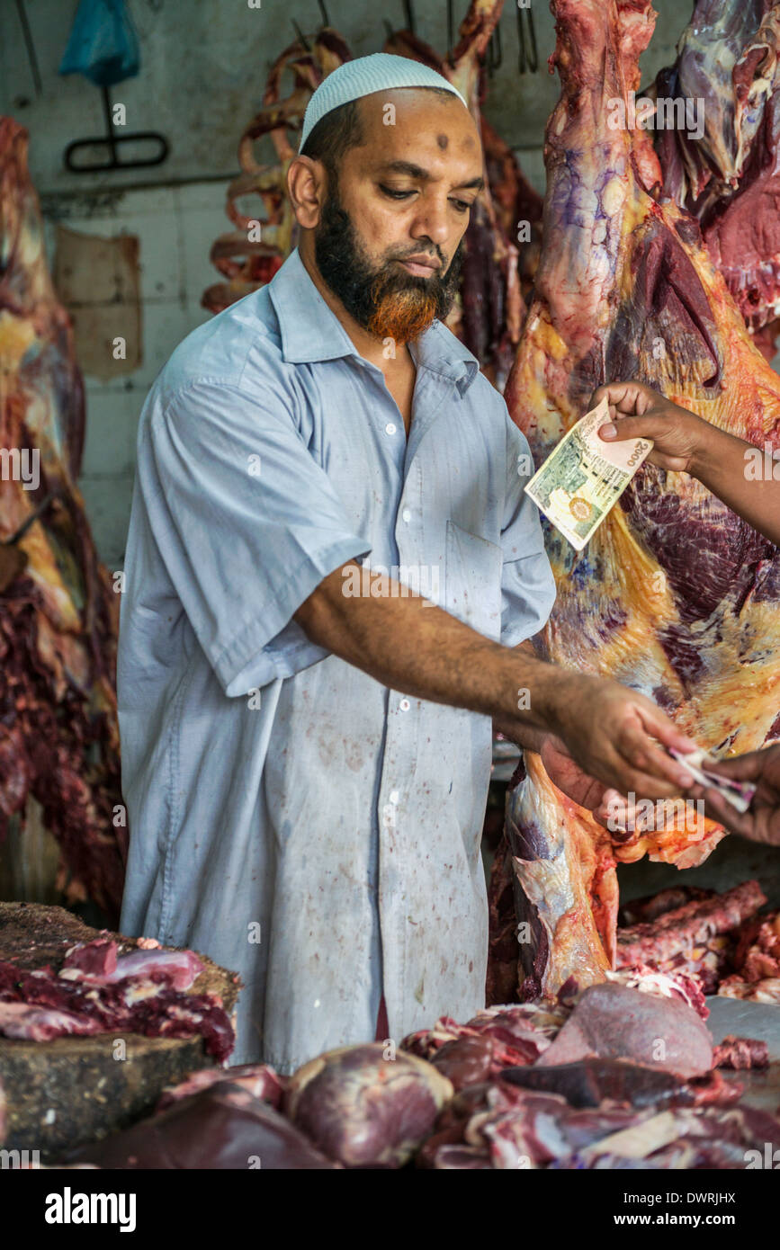 Boucher dans le marché de Kandy au Sri Lanka Photo Stock