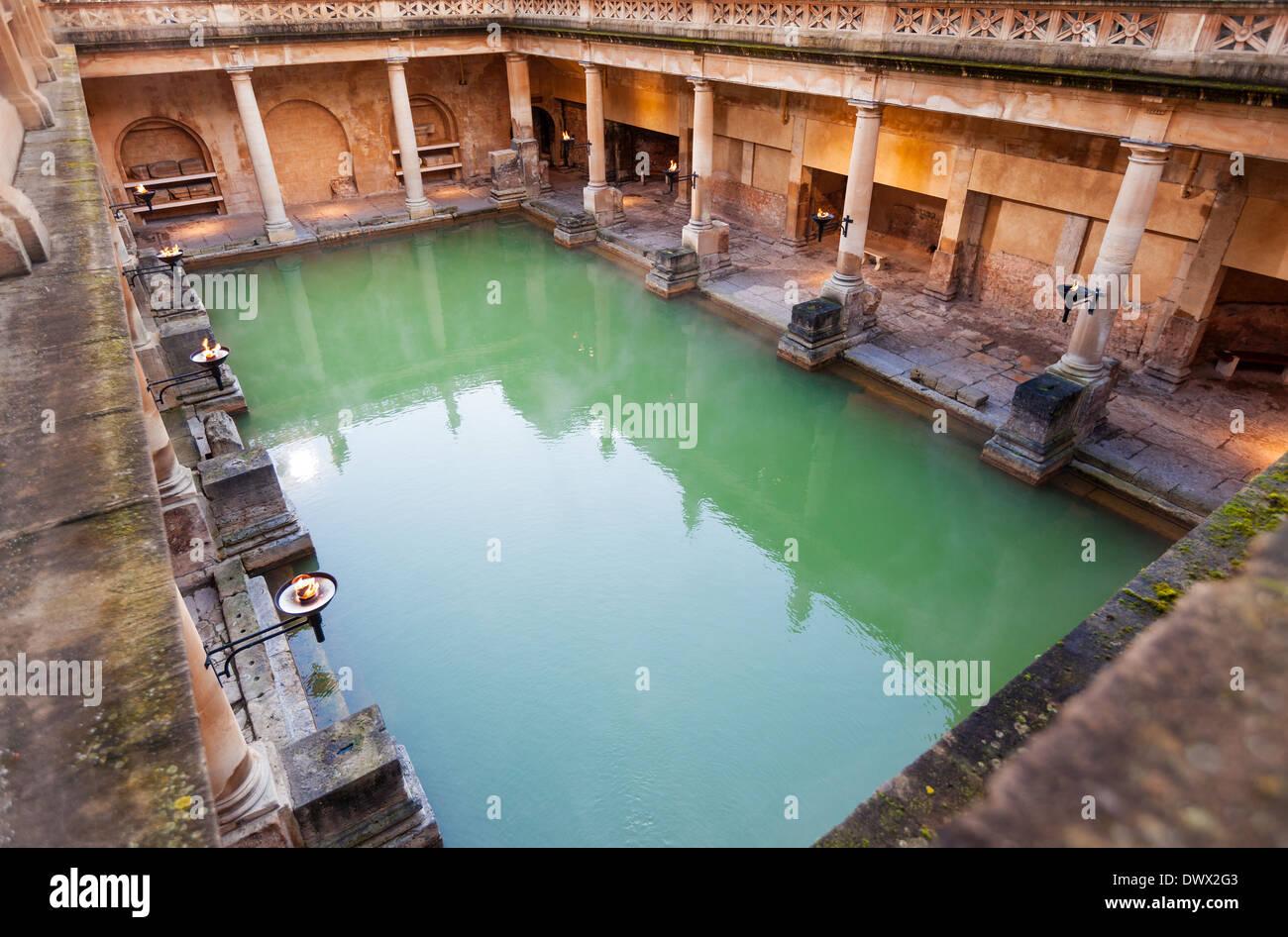 La grande baignoire, partie de la bains romains de Bath, Royaume-Uni Photo Stock