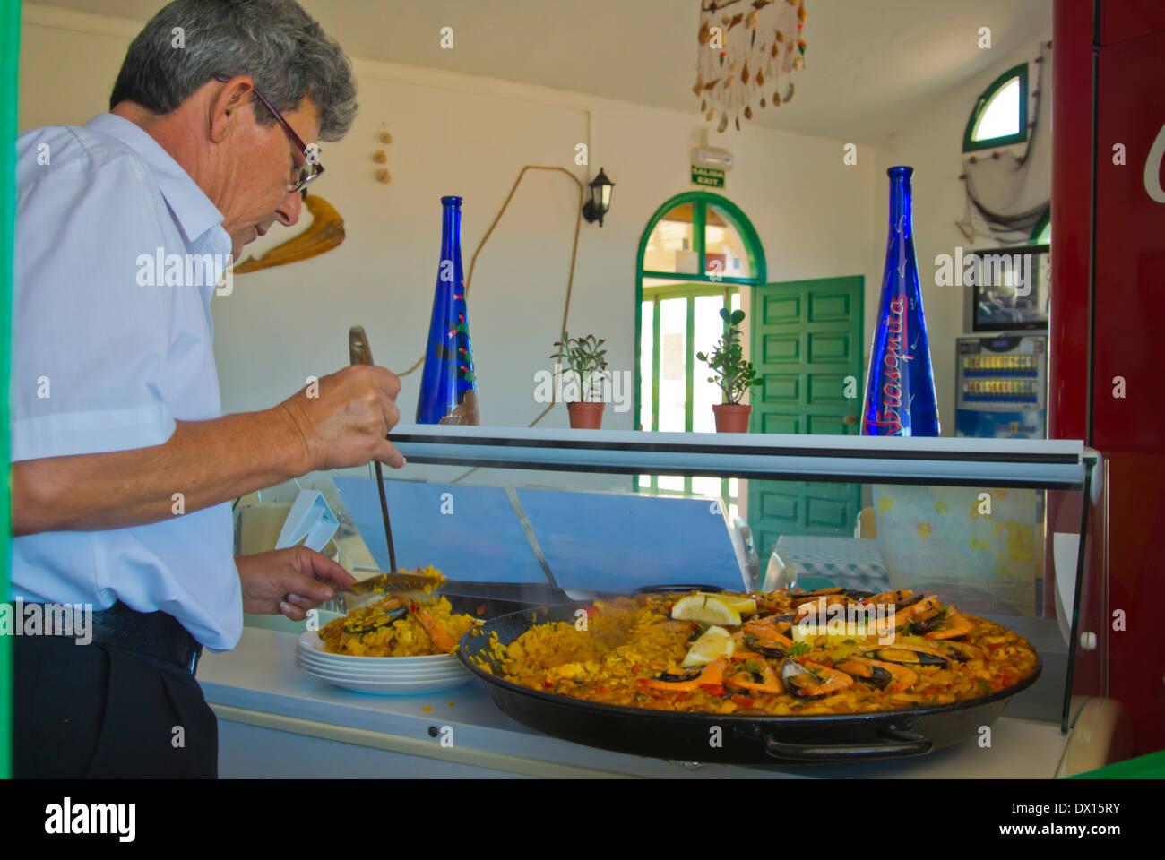 Onn Mercredi Frasquita a restaurant de fruits de mer paella aux fruits de mer, Caleta de Fuste, Fuerteventura, Canary Islands, Spain, Europe Photo Stock