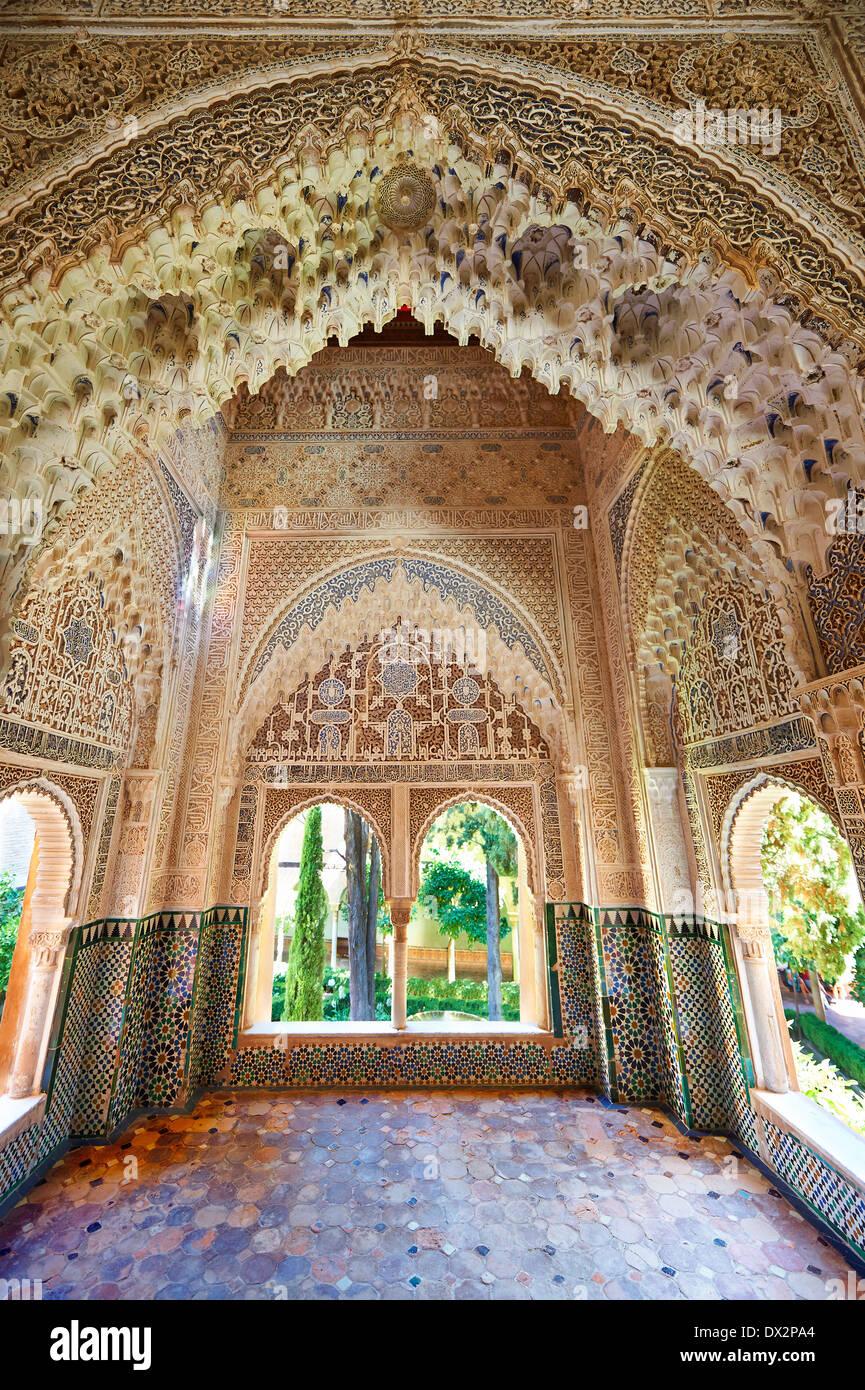 Arabesque ou morcabe stalactite maure architecture du Palacios Nazaries, à l'Alhambra. Grenade, Andalousie, espagne. Banque D'Images