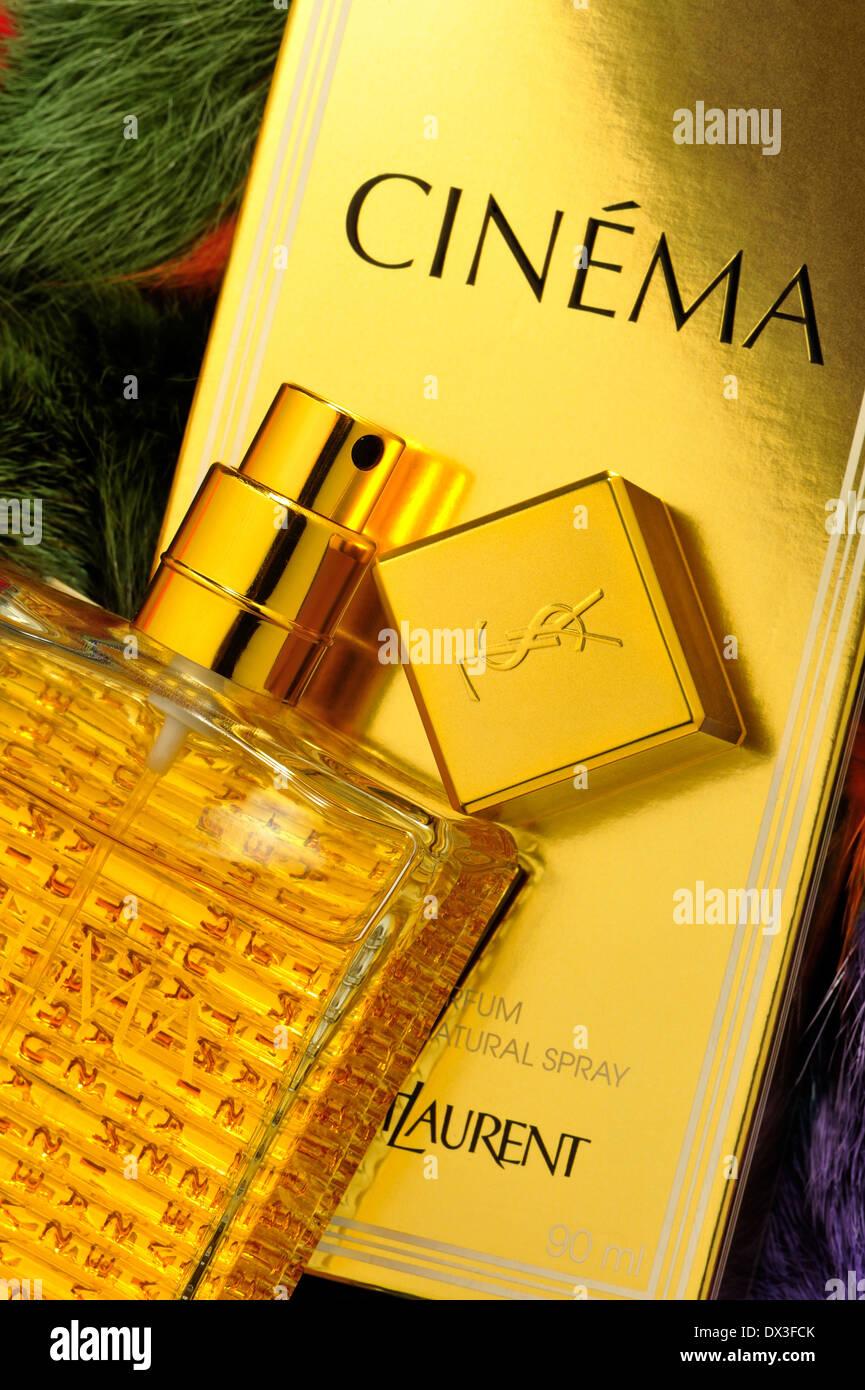 Yves Saint Laurent Parfums Odeurs Bouteille Boîte Cinema
