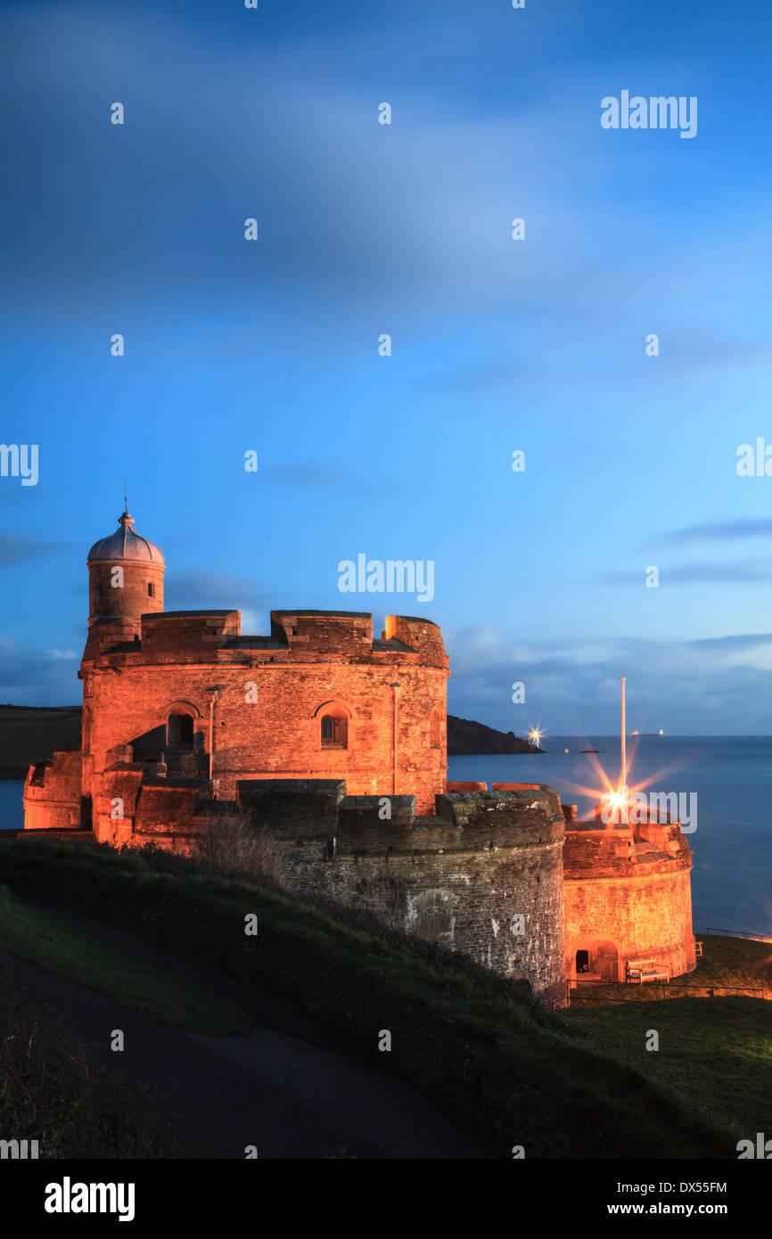 St Mawes Château à Cornwall capturés pendant le crépuscule Photo Stock