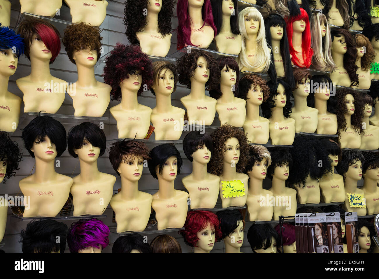 Extension de Cheveux et perruques boutique, Brixton, London, UK Photo Stock