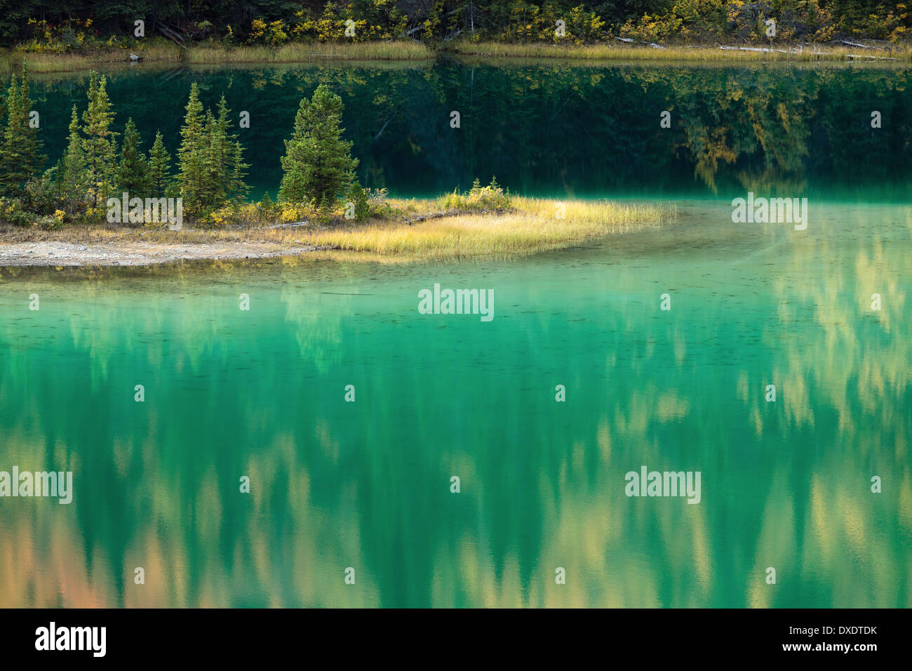 Le lac Emerald, nr Carcross, au Yukon, Canada Photo Stock