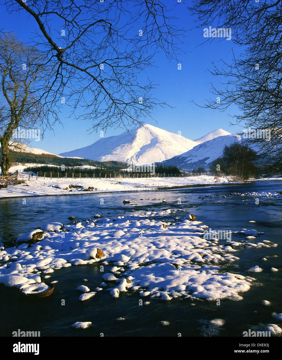 Scène d'hiver vers Ben Plus de Strath Fillan. Photo Stock