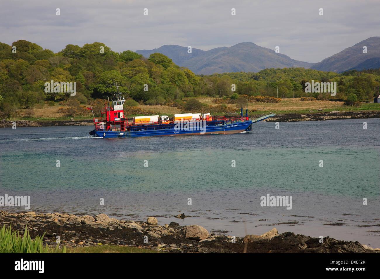 glen sanda quarry barge transportant les pétroliers, loch creran