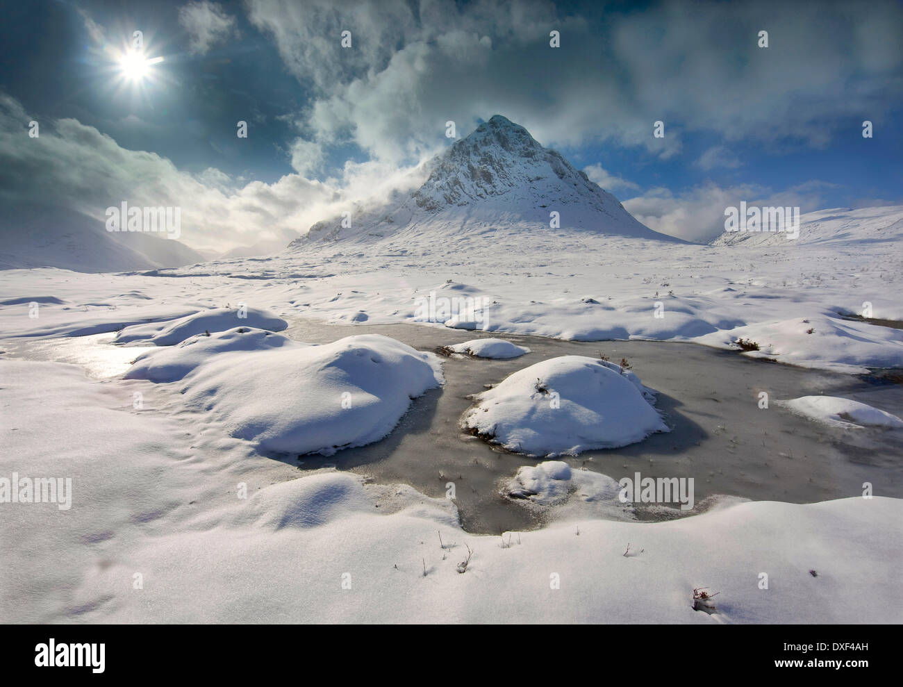 Buachaille Etive vue d'hiver spectaculaire Mhor, Glencoe Photo Stock