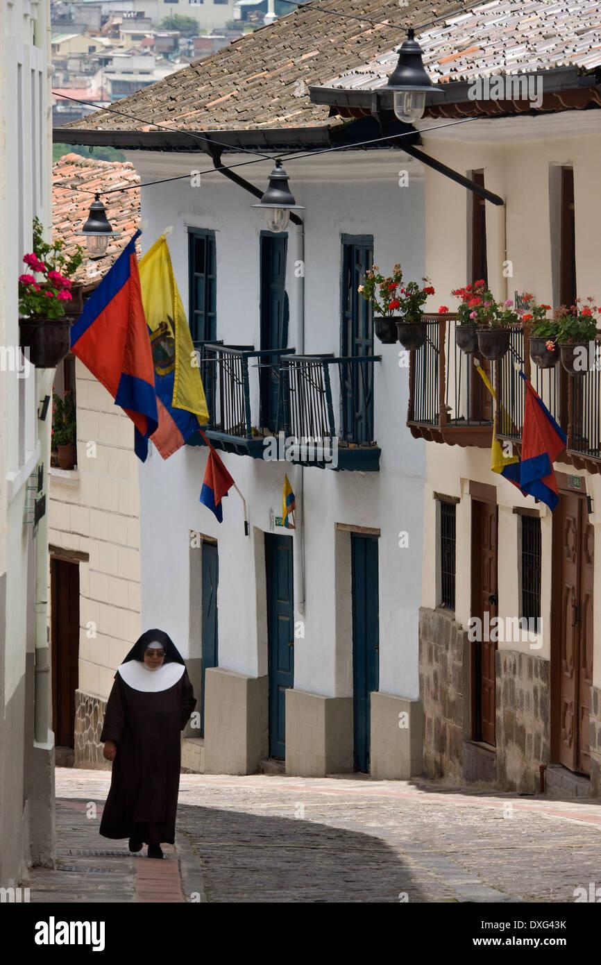 Vieille rue coloniale de la Calle Ronda à Quito en Équateur - Amérique du Sud Photo Stock