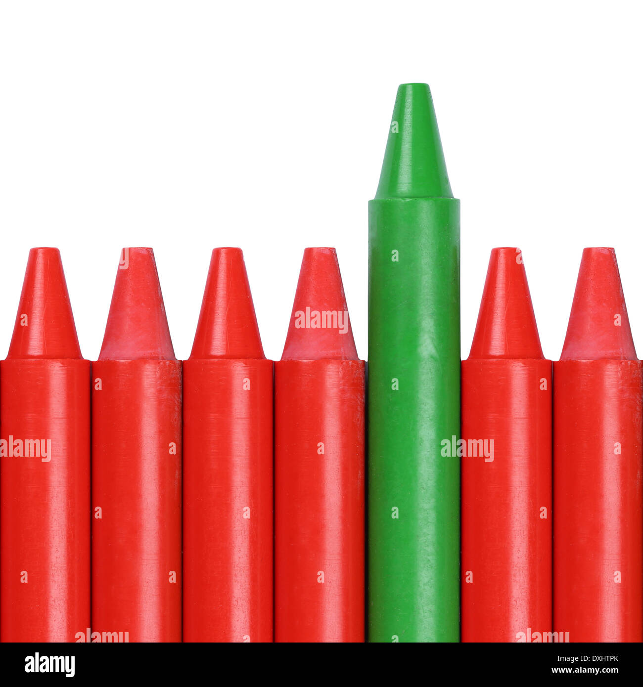 Crayon vert se démarquer de la foule, le succès et gagner en concours Photo Stock