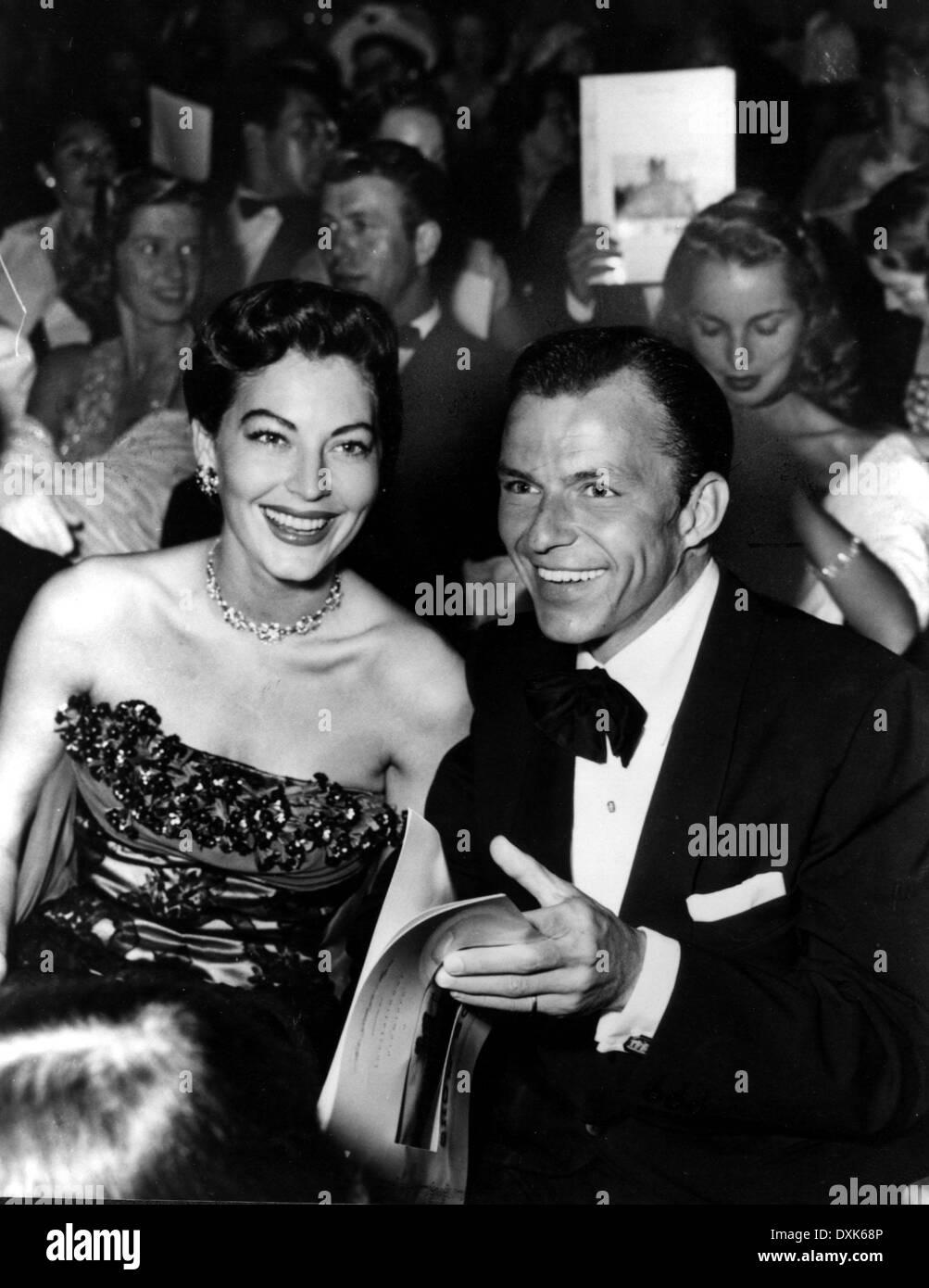 SHOW BOAT (1951) AVA GARDNER ET FRANK SINATRA À LA PREM ... Ava Gardner 1989