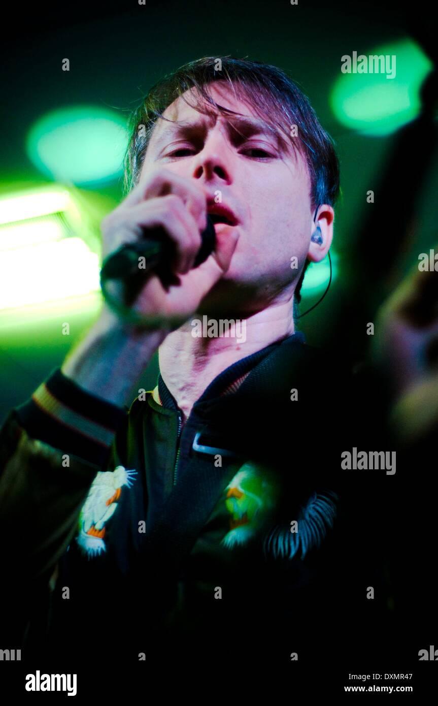 Sunderland, Royaume-Uni. Mar 27, 2014. Franz Ferdinand, Alex Kapranos, le chanteur du groupe joue un concert à venir Banque D'Images