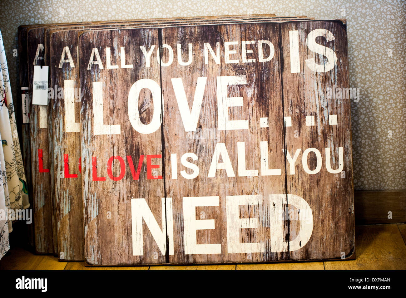 'All you need is love' sign Banque D'Images