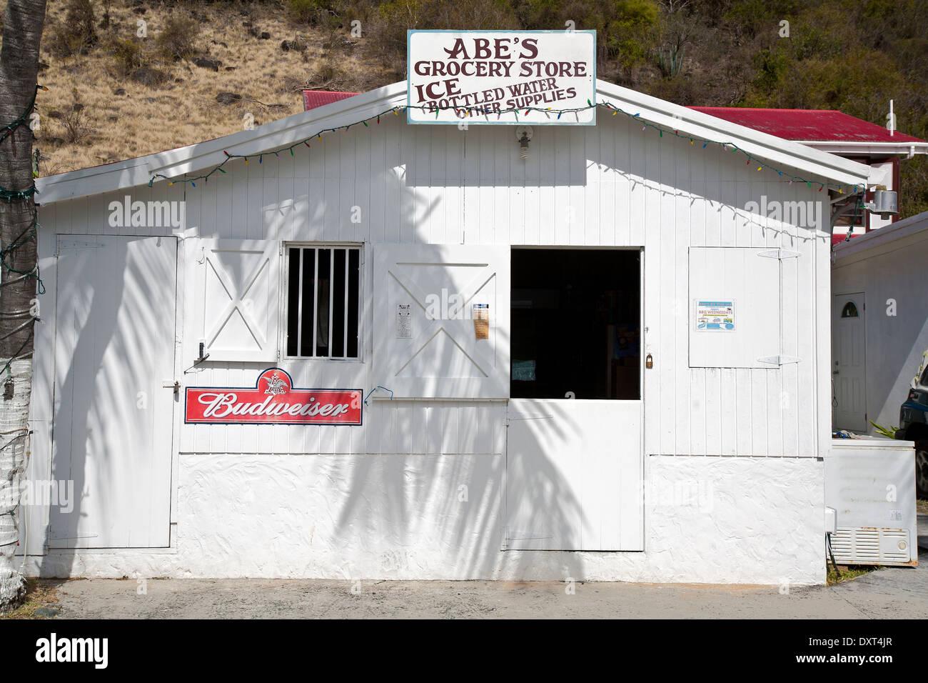 L'architecture des Caraïbes BVI palmier ombre store Jost Van Dyke Îles Vierges Britanniques Îles Vierges britanniques Banque D'Images