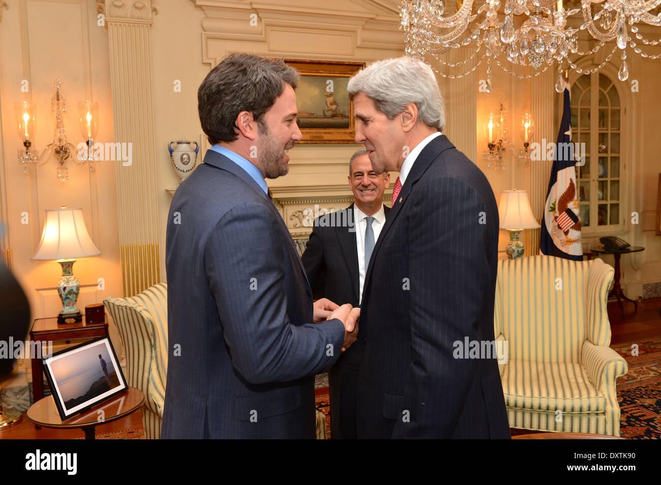 Kerry secrétaire se réunit avec Ben Affleck Photo Stock