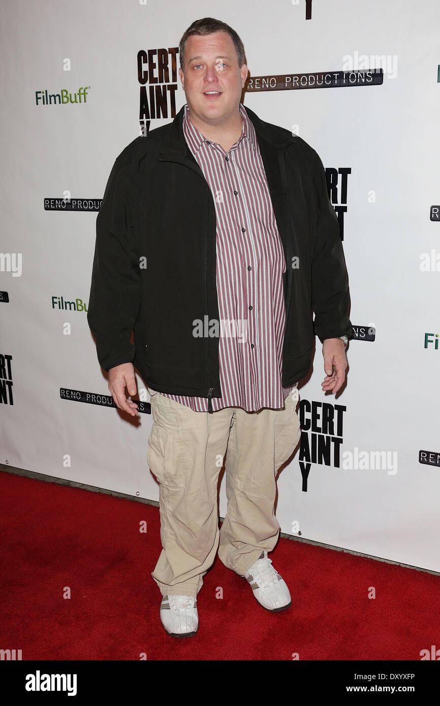 """Le Los Angeles premiere de """"certitude"""" au Laemmle Music Hall - Arrivées avec: Billy Gardell Photo Stock"""