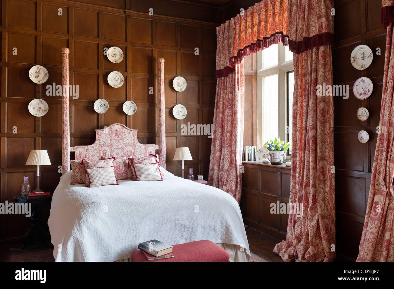 Deco Chambre Lambris Bois rideaux toile de jouy et pansements litdesign archive