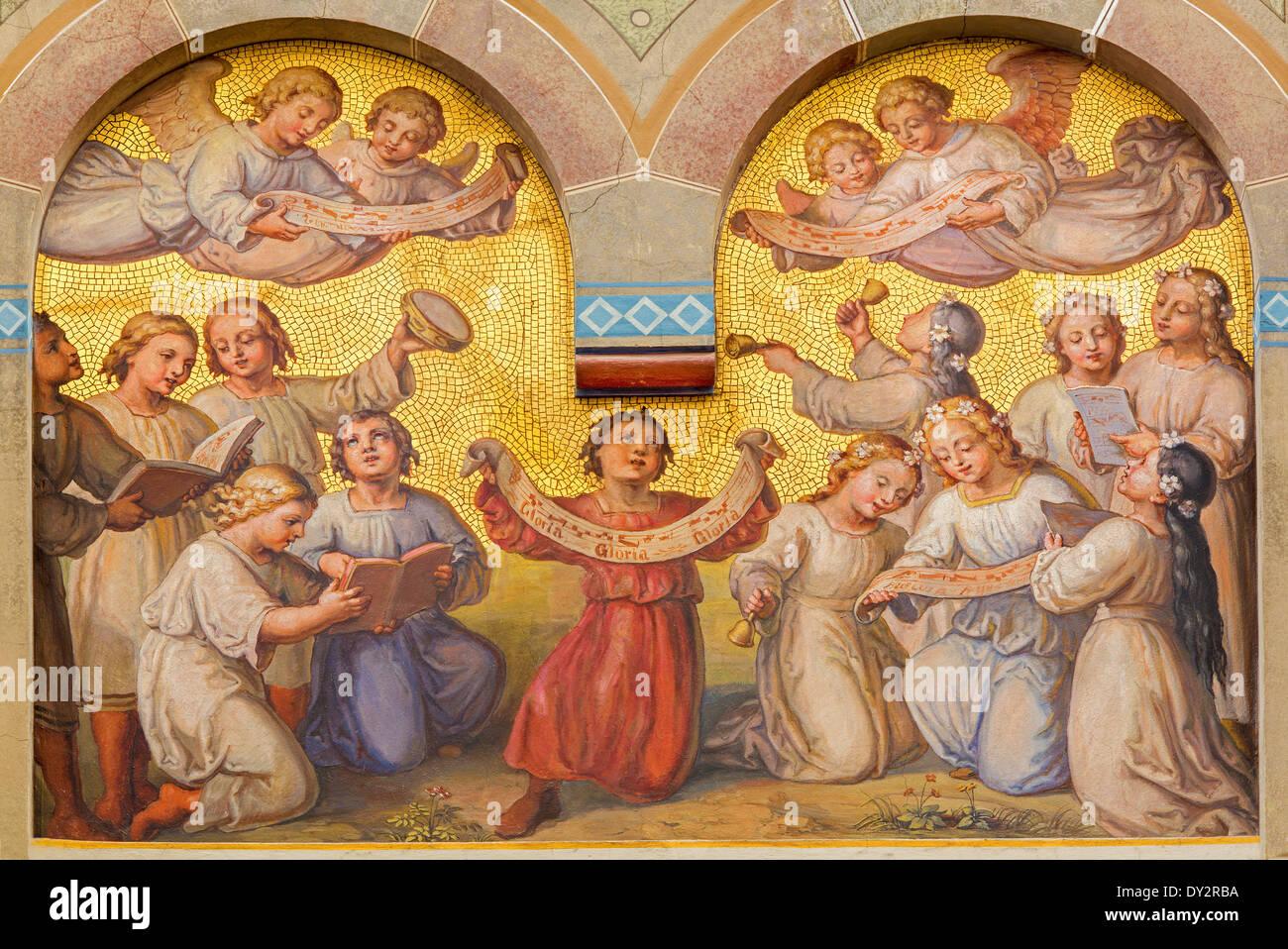 Vienne - Choeur des petits anges dans le ciel par Josef Kastner à partir de 1906 - 1911 dans l'église des Carmélites Photo Stock