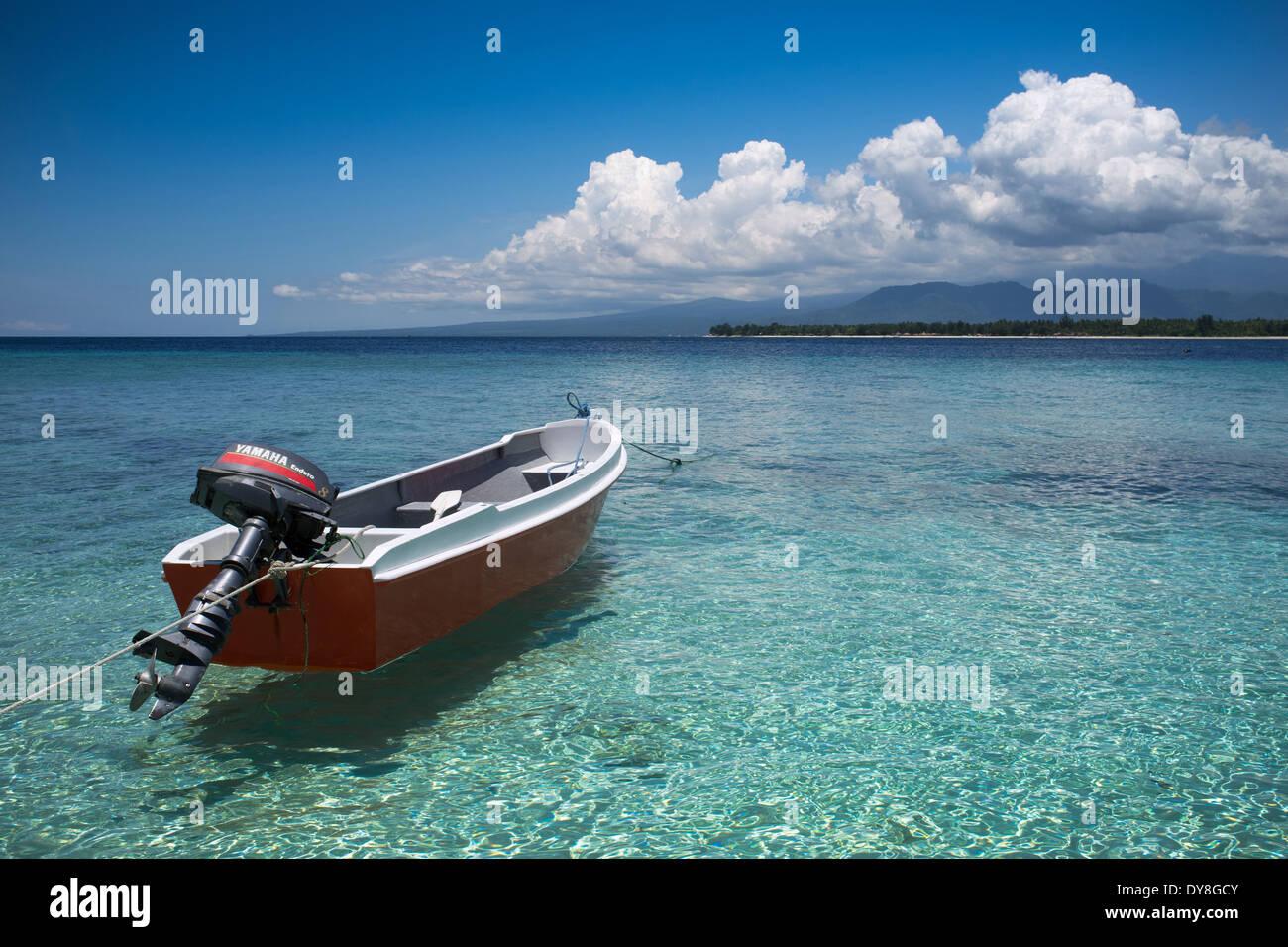 Bateaux amarrés à Gili Air, de Lombok, Indonésie, Asie Banque D'Images