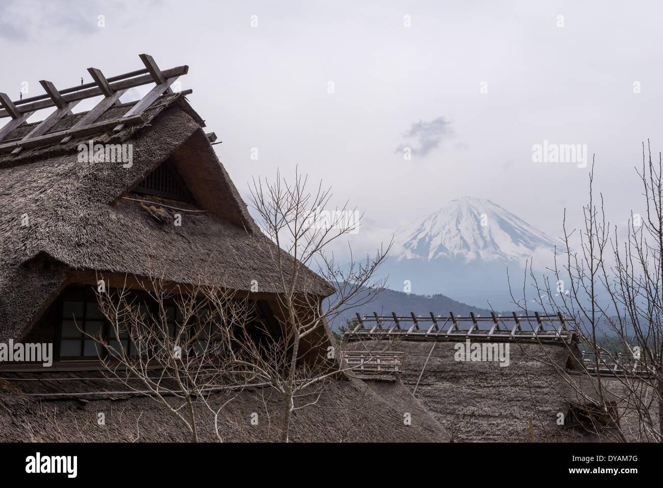 Plan Maison Traditionnelle Japonaise maison traditionnelle japonaise dans la campagne japonaise