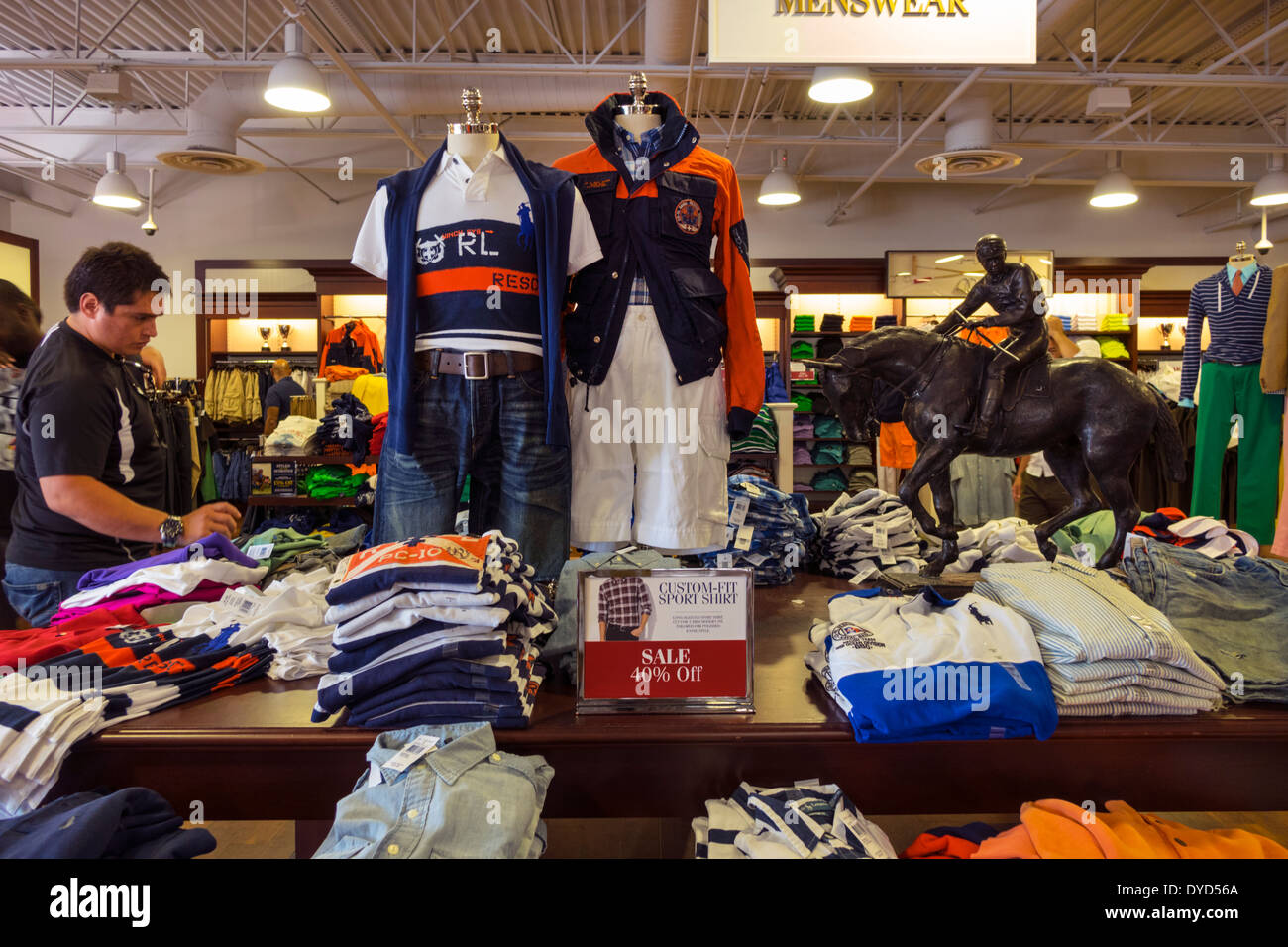 e5c8fa4022fe Orlando la Floride Orlando Premium Outlets International Drive shopping Polo  Ralph Lauren outlet vêtements d