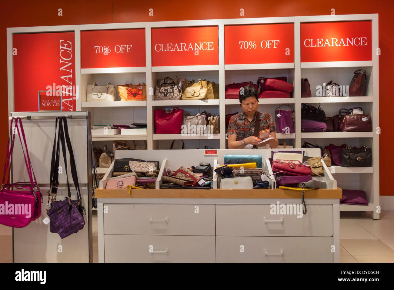 orlando la floride orlando premium outlets international drive shopping outlet store intrieur intrieur signe michael kors sacs main pour femmes