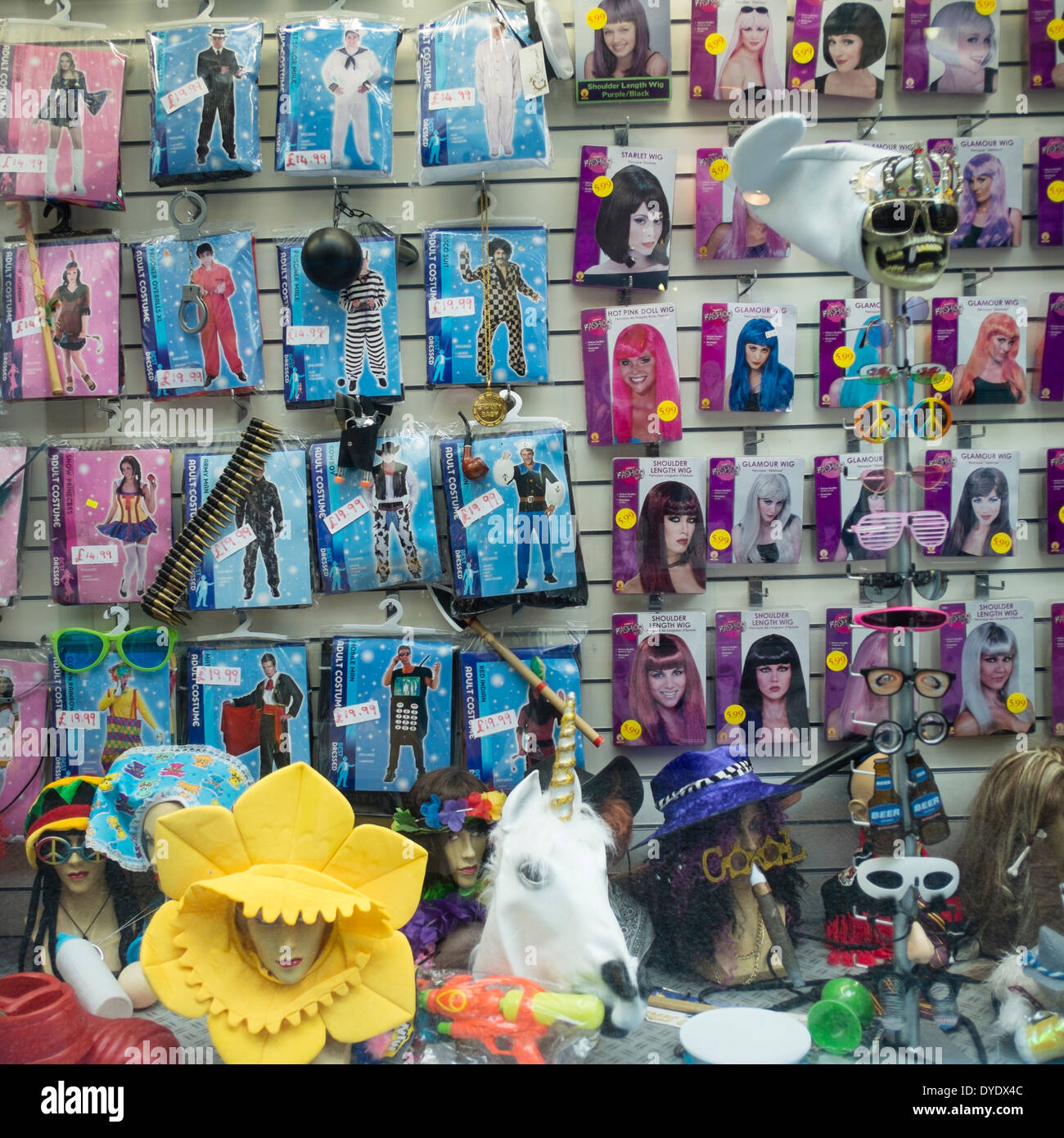 Joke shop window, High Street Arcade, le centre-ville de Cardiff Wales UK Photo Stock