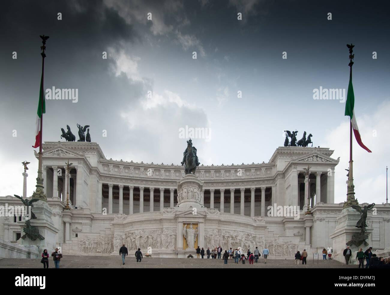 Rome Italie Le Gâteau De Mariage Palais De Victor