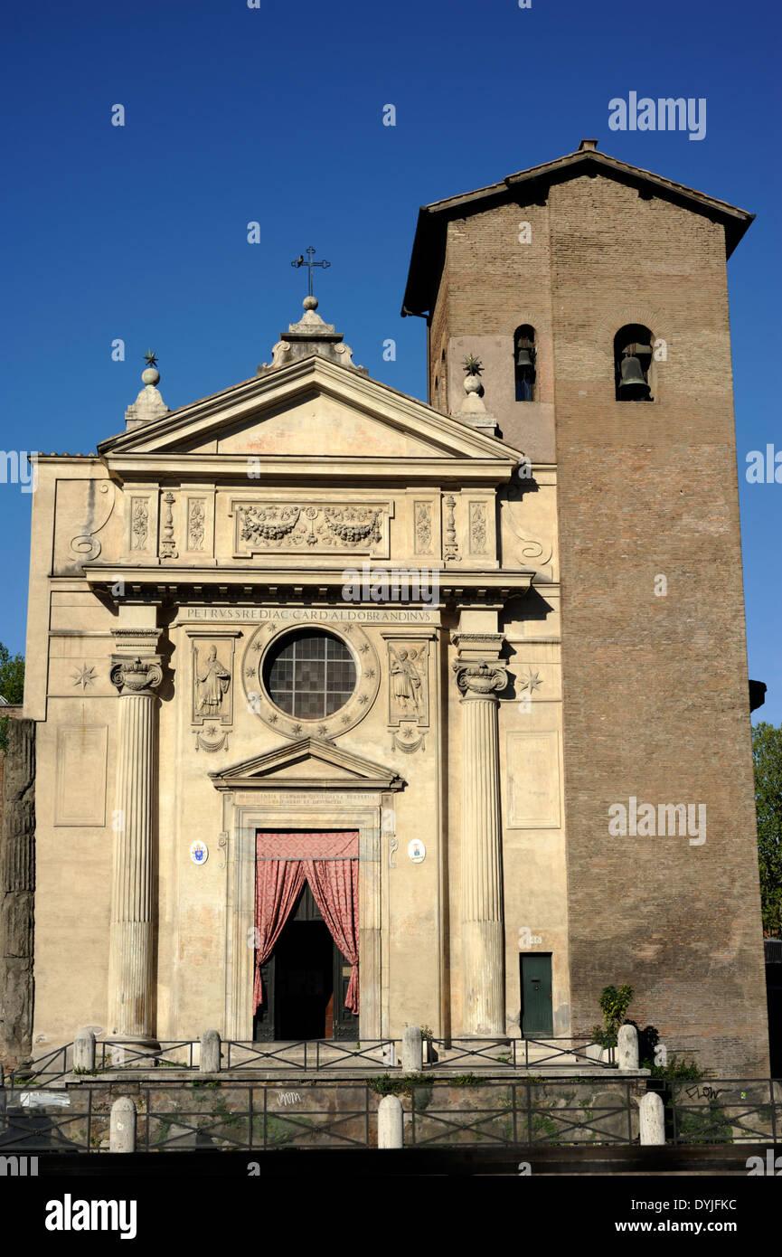 Italie, Rome, l'église de San nicola in carcere, façade par Giacomo della Porta Photo Stock