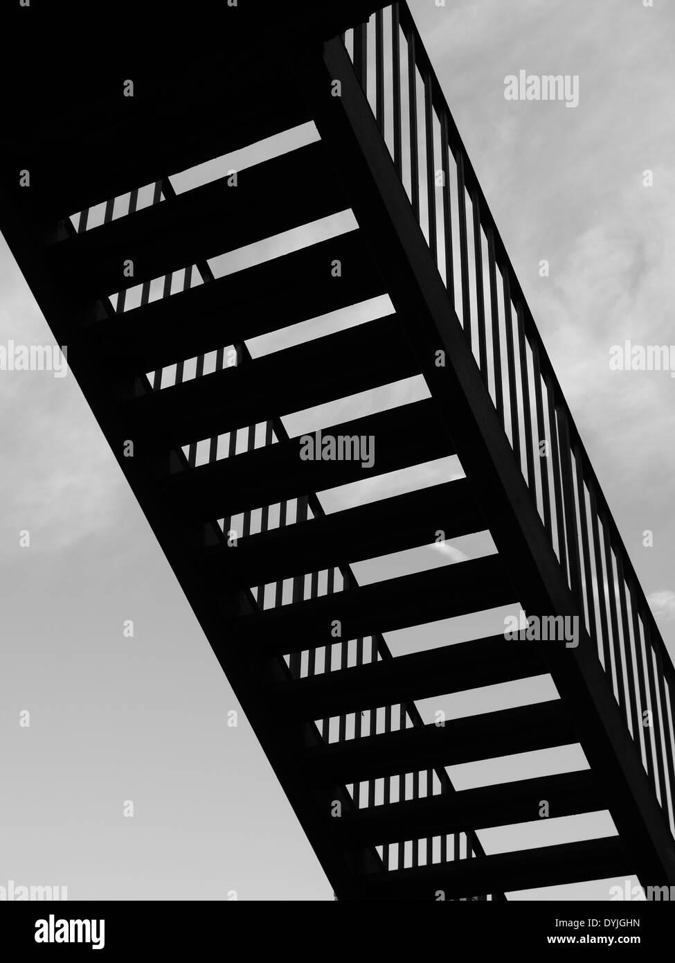 Image abstraite de l'escalier métallique en silhouette - art / style créatif Photo Stock