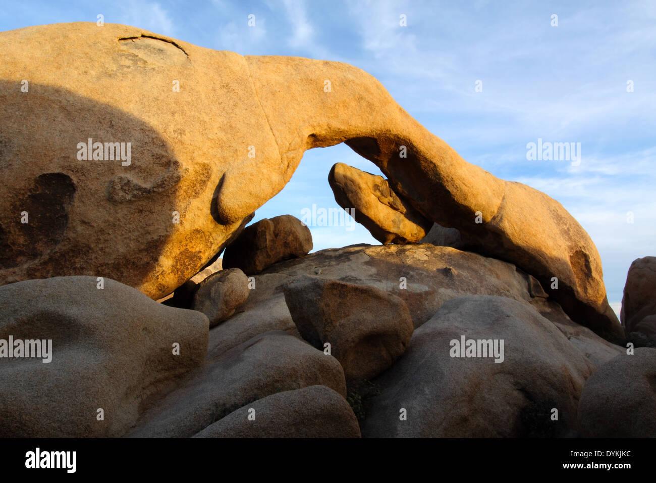 Arch Rock Joshua Tree National Park en Californie Banque D'Images